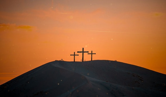 The Agony of Jesus on Good Friday His Triumph on Easter Sunday - Blog - Eternal Perspective Ministries