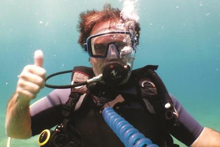 Randy diving
